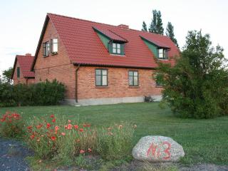 Vacation Home in Ummanz - 861 sqft, idyllic, quiet, comfortable (# 3793), Stralsund