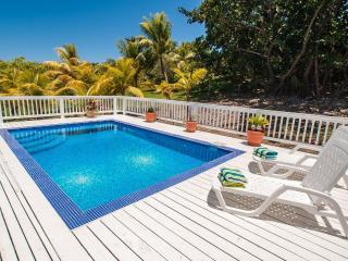 Your Perfect Island Home with Pool - sleeps 8