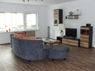 Vacation Apartment in Sulzfeld - 1076 sqft, quiet, comfortable, child-friendly, Stadtlauringen