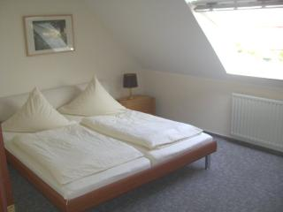 Vacation Apartment in Jork - 538 sqft, quiet and countryside, comfortable, city limits of Hamburg (#…