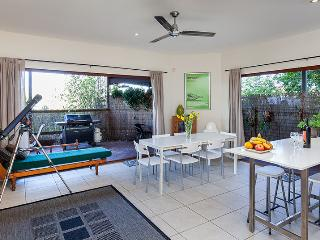 Cliff Top Villa in Trendy Bulimba-Inner Brisbane