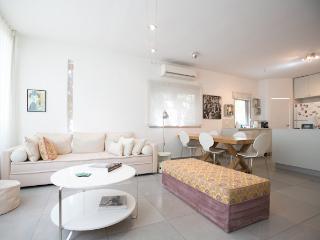 Byron Family Apartment, Tel Aviv