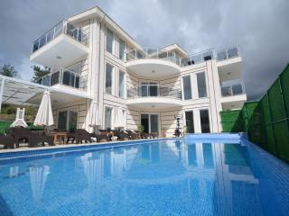 5 bedroom Private Villa With Fabulous Sea Views,, Islamlar