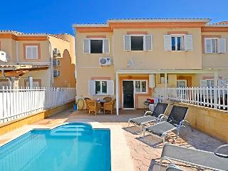 Big Family Home with garden and small private pool, Port d'Alcudia