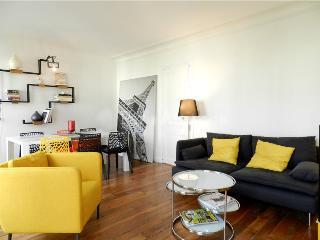 PRIVATE ROOM WITH PRIVATE BALCONY, GREAT LOCATION, París