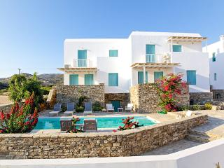 Three-Bedroom Maisonette in Antiparos, (A), Agios Georgios