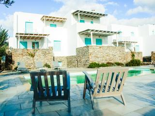 Five-Bedroom Maisonette in Antiparos, (B), Agios Georgios