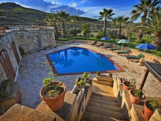 Farmhouse Lara - Private Pool - Rural & Relaxing, Ghasri