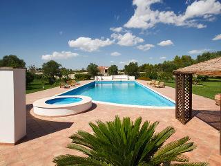 140 Villa con Piscina, Arnesano