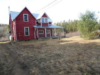 Secluded Century Farmhouse near Lake Rosseau
