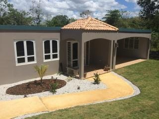 Brand New 2400 sq ft Pool Home, Arecibo