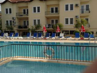 Studio apartment shared pool central hisaronu