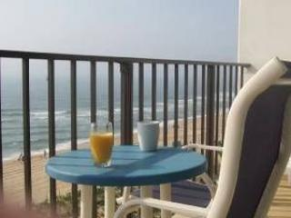 Direct Ocean Front Condo, Outdoor Pool, Ocean City
