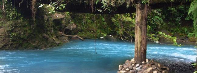 El río azul frente al resort - Rio Azul