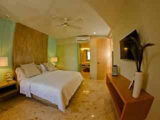 Luxury Beach Condo. Playa del Carmen, Mexico