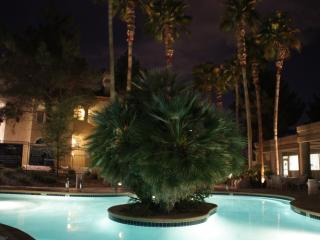 Beautiful, Boutique style 2BDR/2BA close to Strip, Las Vegas