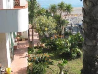 1 Sea-view apartment in Sicily!, Giardini-Naxos