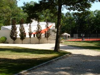 Tennis Court, Swimming Pool, Bocci, Soccer Lawn, L, Shelter Island