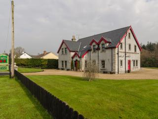 Country Manor, Kesh