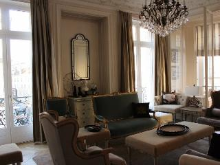 Elegance and Luxury in Reims