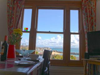 Admiral Cottage St Ives - Boutique, Garden, Parking Available JULY 16-20th
