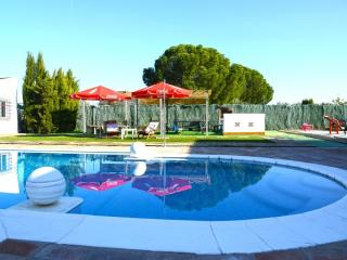Between Seville, Malaga and Granada, ideal location. Private pool, free wifi