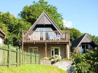 59 VALLEY LODGE, pet friendly, country holiday cottage, hot tub in Gunnislake Near Dartmoor, Ref 5198