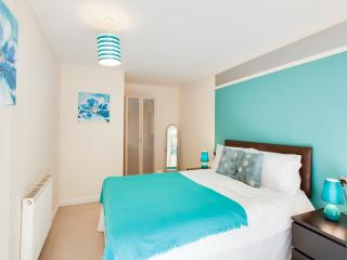 UR STAY Serviced Apartments- Freemens Meadow