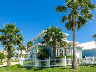 3BR Beach House w/ Pool + Boardwalk to the Beach, Royal Sands