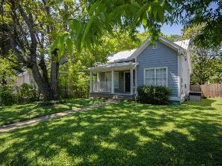 3BR Stylish Cottage in East Nashville