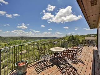4BR Countryside Contemporary on Lake Austin - Foothill Views, 3 Full Floors, Buffalo Gap
