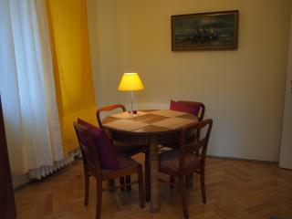 Elegant Apartment in Old Town of Gdansk Ogarna St