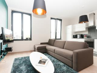 Smartflats Opera 3.2 - 2Bed Duplex - City Center, Luik