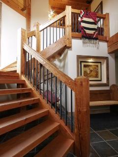 Whistler Saddle House - Luxury 5 Bedroom Chalet