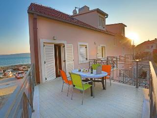 Blue sail apartment- sea side, Kastel Stafilic