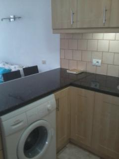 Kitchen inc washing machine, oven hob, fridge, freezer and microwave oven