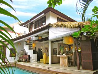 Romantic Hideaway in the Heart of Seminyak, Kuta