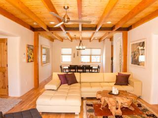 Garcia Street Casa – 30 Day Minimum, Santa Fe