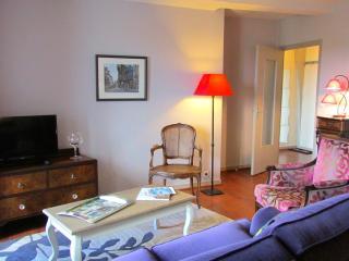 Beautiful 1 bedroom apartment  Dinan centre (A006)