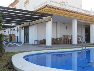 Chalet con piscina privada y jardín, Torre del Mar