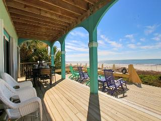 Heavenly Beachfront Home with Hot Tub, Spacious Living Area for Family Fun, Port Saint Joe
