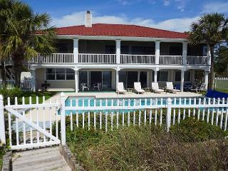 Beachfront Home, Pool, Fenced Grounds, Beach Access **05/21/16 $5660/wk, Port Saint Joe