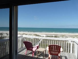 Restful N Cape Beachfront 4 Bed, 3.5 Bath Home, Hammock, Stellar Sunsets, Cape San Blas