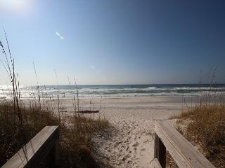 Upscale Gulf Front Home, North Cape, Private Pool, $250 Beach Gear Offered, Cape San Blas