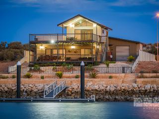 64 Madaffari Drive - PRIVATE JETTY