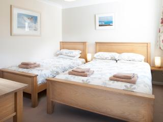 The twin room is ideal for couples or a couple of friends.