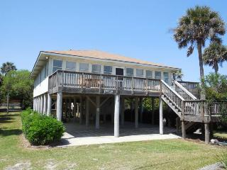 Beach Nuts 2 - Folly Beach, SC - 4 Beds BATHS: 2 Full 1 Half