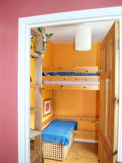Third bedroom with single cabin bed