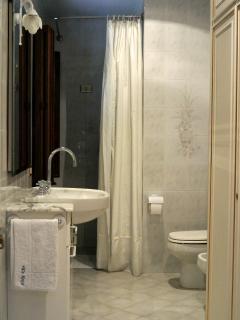 Main Room (En Suit Bathroom)