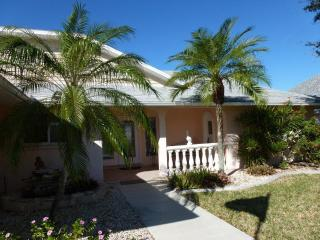 Waterfront Villa Cape Coral direct access to Gulf